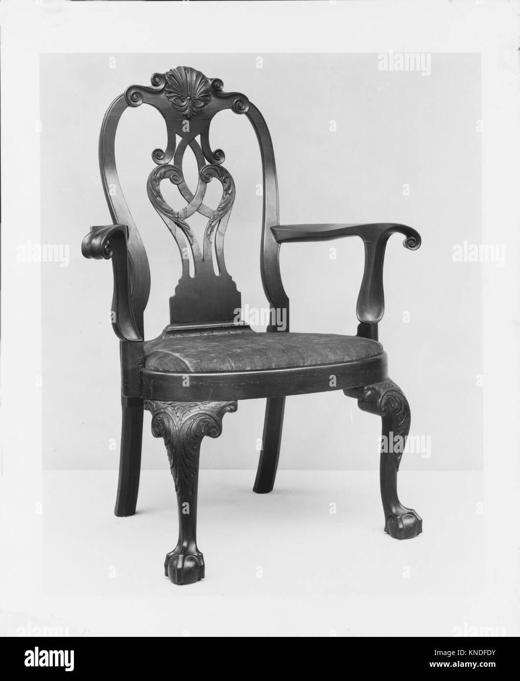 Armchair MET 61554 182 American, Armchair, ca. 1755, Mahogany, 44 x 33 1/4 x 21 1/2 in. (111.8 x 84.5 x 54.6 cm). - Stock Image