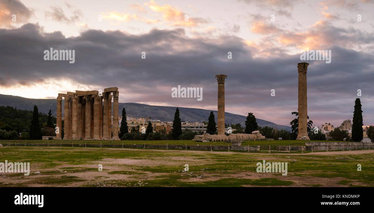 Remains of the Temple of Olympian Zeus in centre of Athens, Greece. - Stock Image
