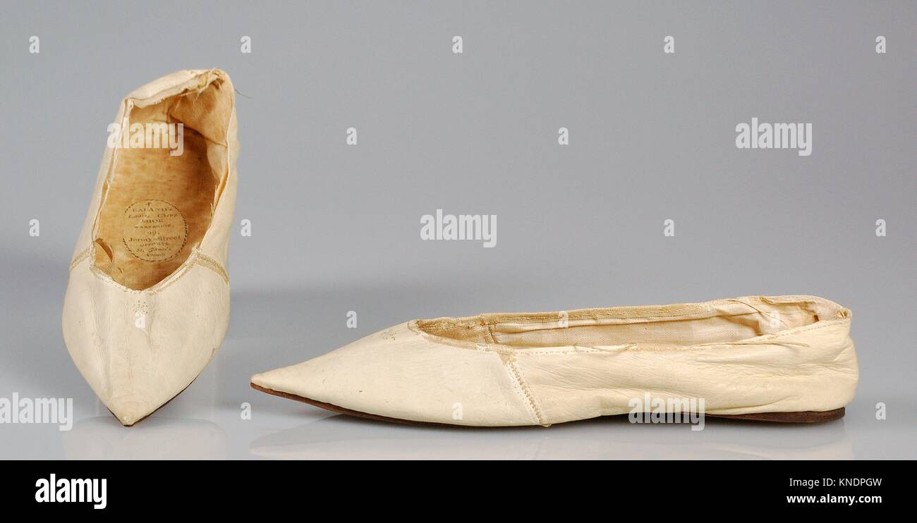 Slippers. Retailer: Ealand; Date: 1800-1810; Culture: British; Medium: Leather; Credit Line: Brooklyn Museum Costume - Stock Image