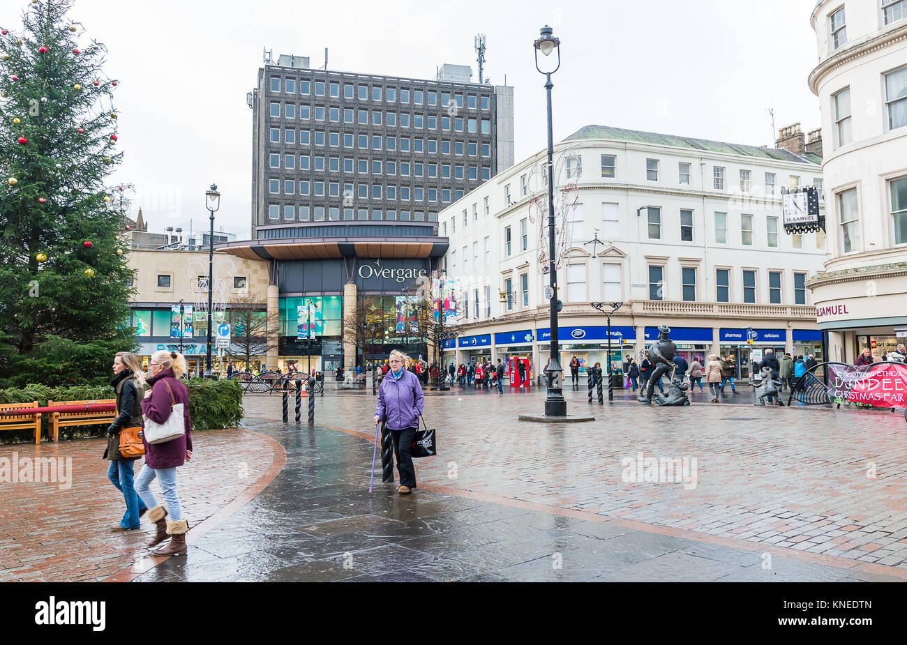Dundee,Scotland,UK-Dercember 05,2017: The city centre of Dundee with people going about their christmas shopping, Stock Photo