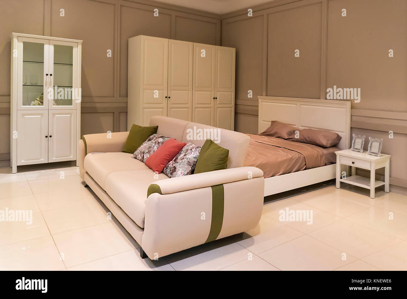 Large bedroom with contemporary design, - Stock Image