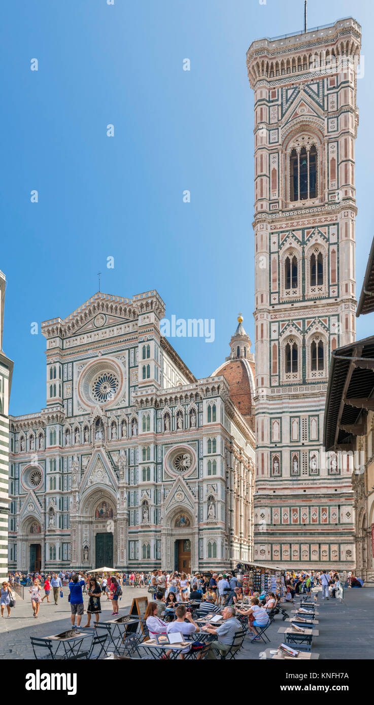 Campanile and Duomo, Florence. Cafe in front of the Cattedrale di Santa Maria del Fiore (Il Duomo) and the Campanile, - Stock Image