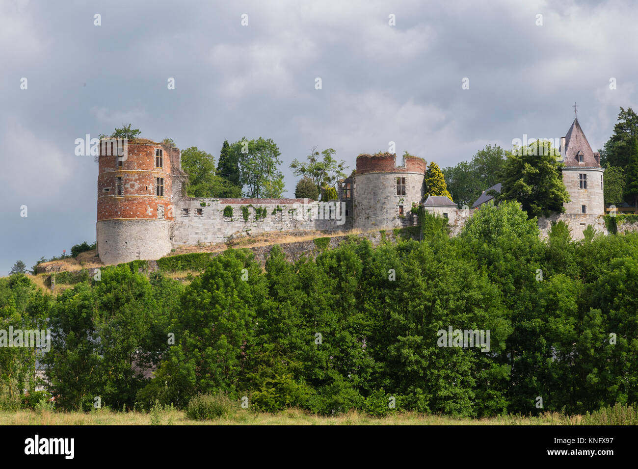 France, Ardennes (08), parc naturel régional des Ardennes, Hierges, le Château de Hierges // France, Ardennes, - Stock Image