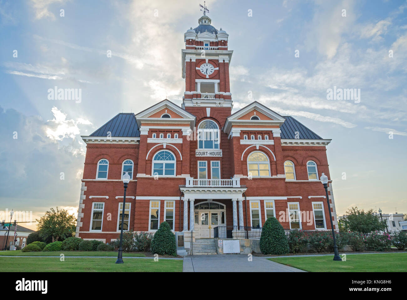 Groovy Monroe County Courthouse In Forsyth Georgia Was Built In Interior Design Ideas Skatsoteloinfo