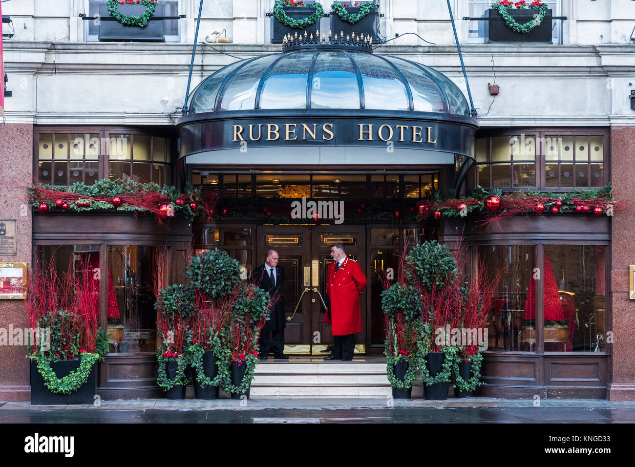Hotel   Buckingham Palace Road London Email