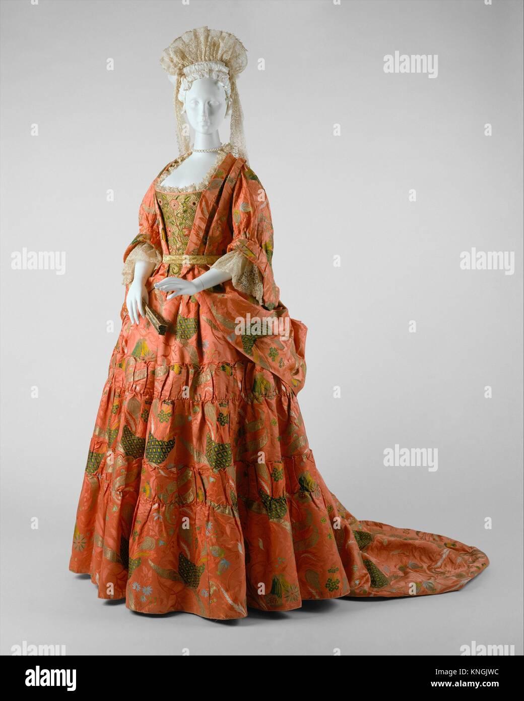 Mantua. Date: ca. 1708; Culture: British; Medium: silk, metal; Credit Line: Purchase, Rogers Fund, Isabel Shults - Stock Image