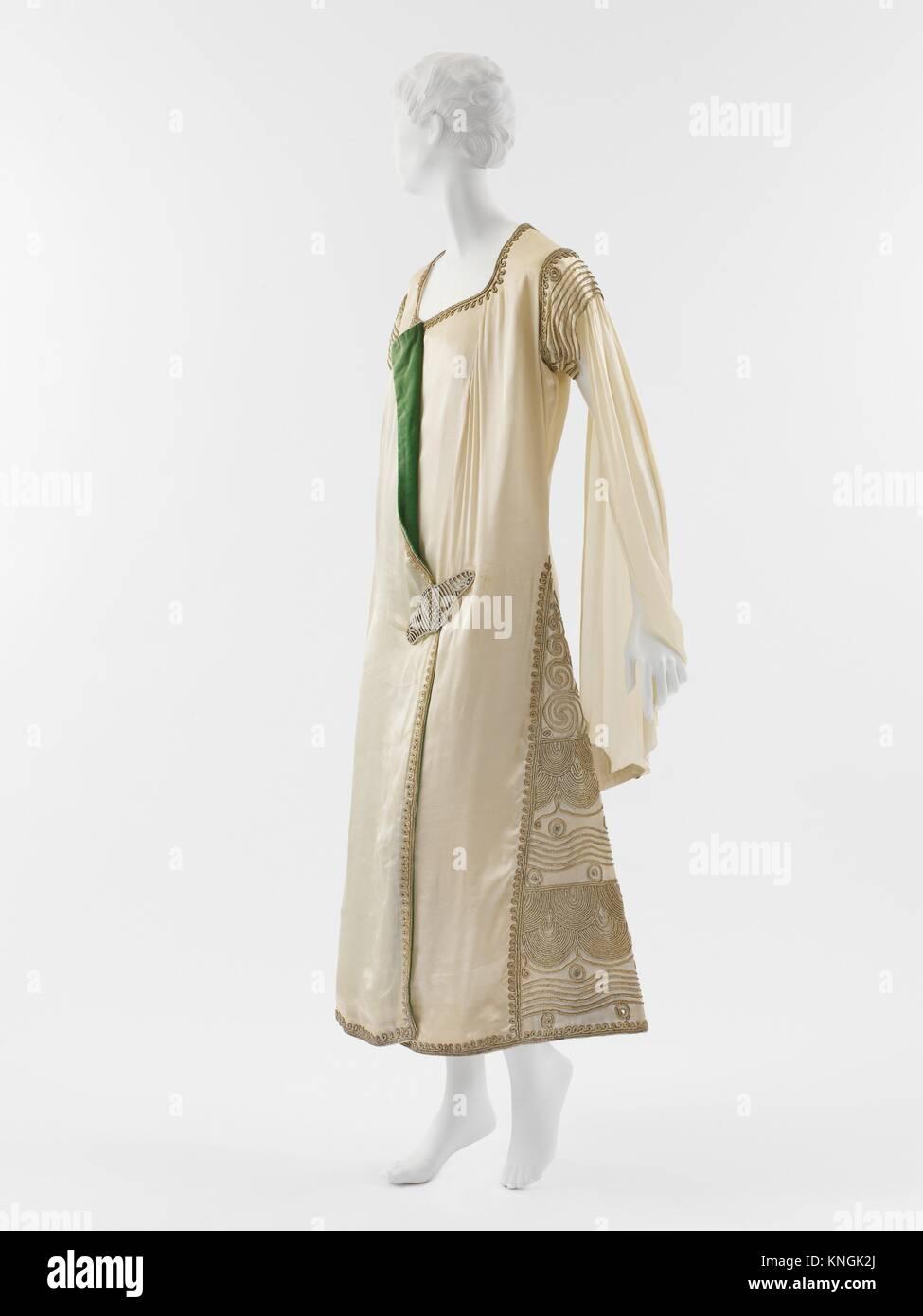 Evening dress. Designer: Paul Poiret (French, Paris 1879-1944 Paris); Date: 1924; Culture: French; Medium: silk, - Stock Image