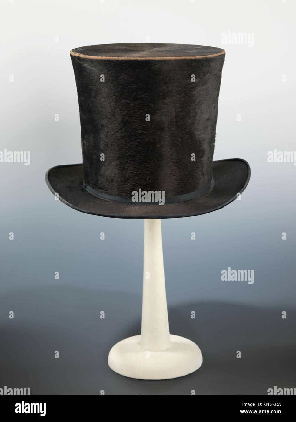 Top hat. Designer  Nash (American)  Date  ca. 1850  Culture  American   Medium  silk  Credit Line  Brooklyn Museum Costume Collection at The 0ea942e503c