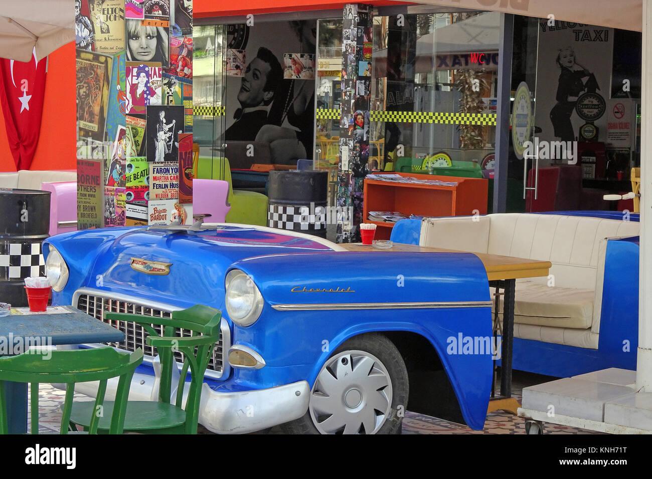 Stylistic Coffee shop with decorativ Oldtimer at Alanya city, turkish riviera, Turkey - Stock Image
