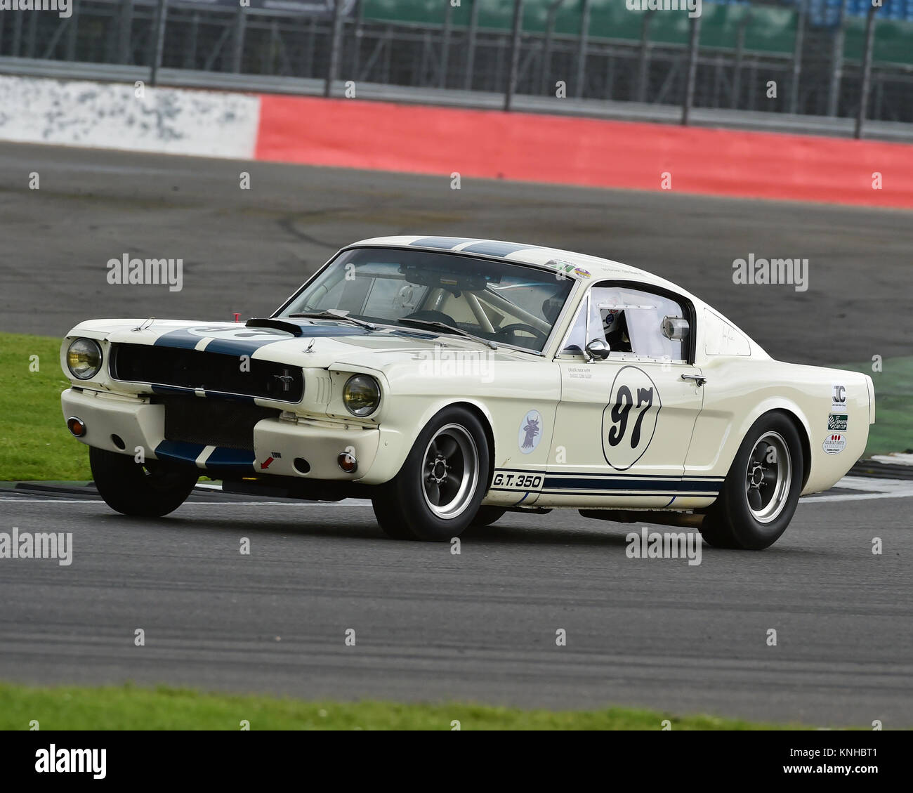Shelby Gt Coupe: Shelby Gt350 Stock Photos & Shelby Gt350 Stock Images