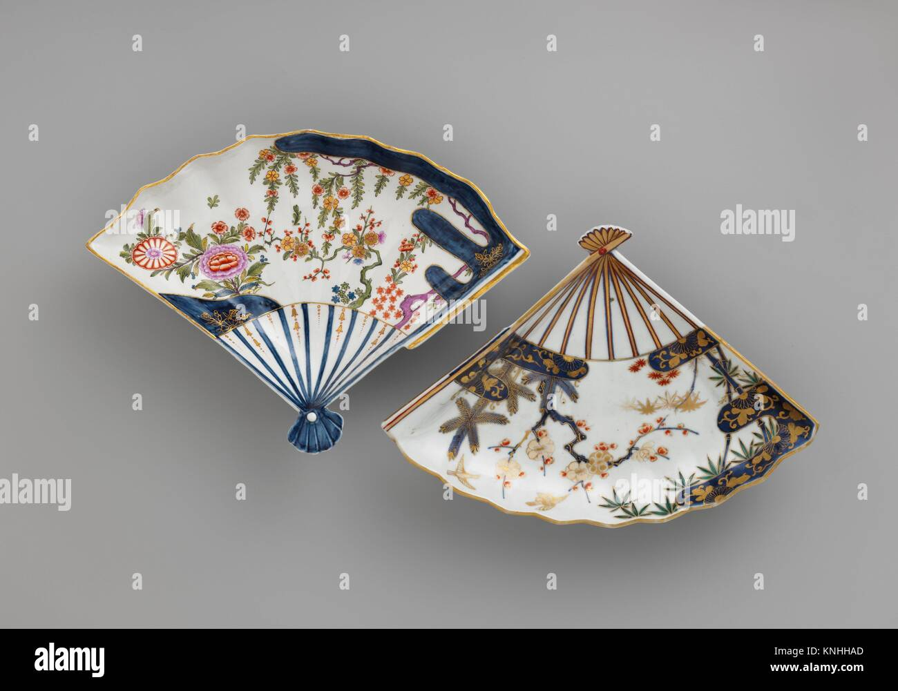 Fan-shaped dish. Factory: Vienna; Factory director: Du Paquier period (1718-1744); Date: ca. 1725-30; Culture: Austrian, - Stock Image