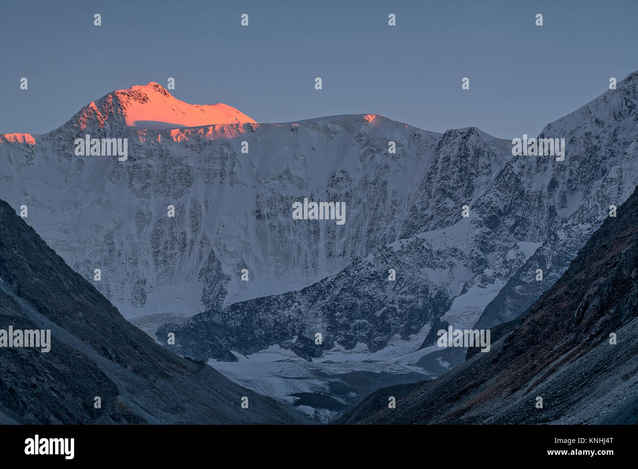 Sunset light in the mountains, Belukha Mountain, Altai - Stock Image