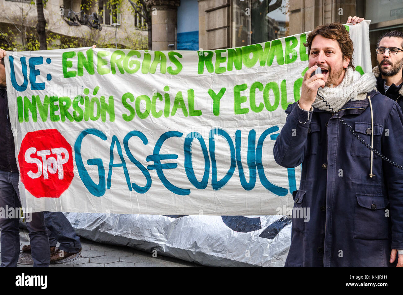 Barcelona, Catalonia, Spain. 12th Dec, 2017. Journalist and activist Bruno Sokolowicz seen during his speech at - Stock Image