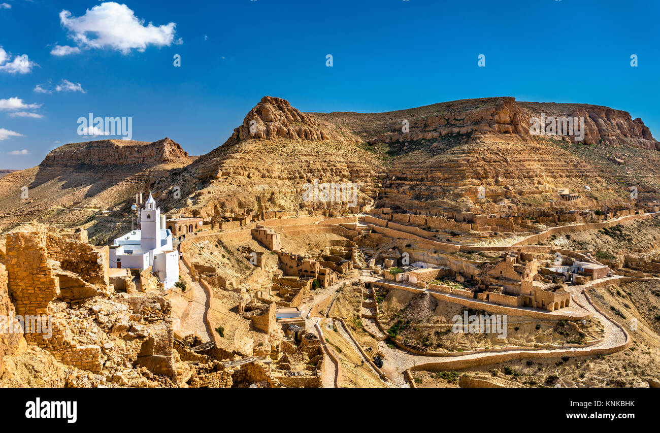 Panorama of Chenini, a fortified Berber village in South Tunisia - Stock Image