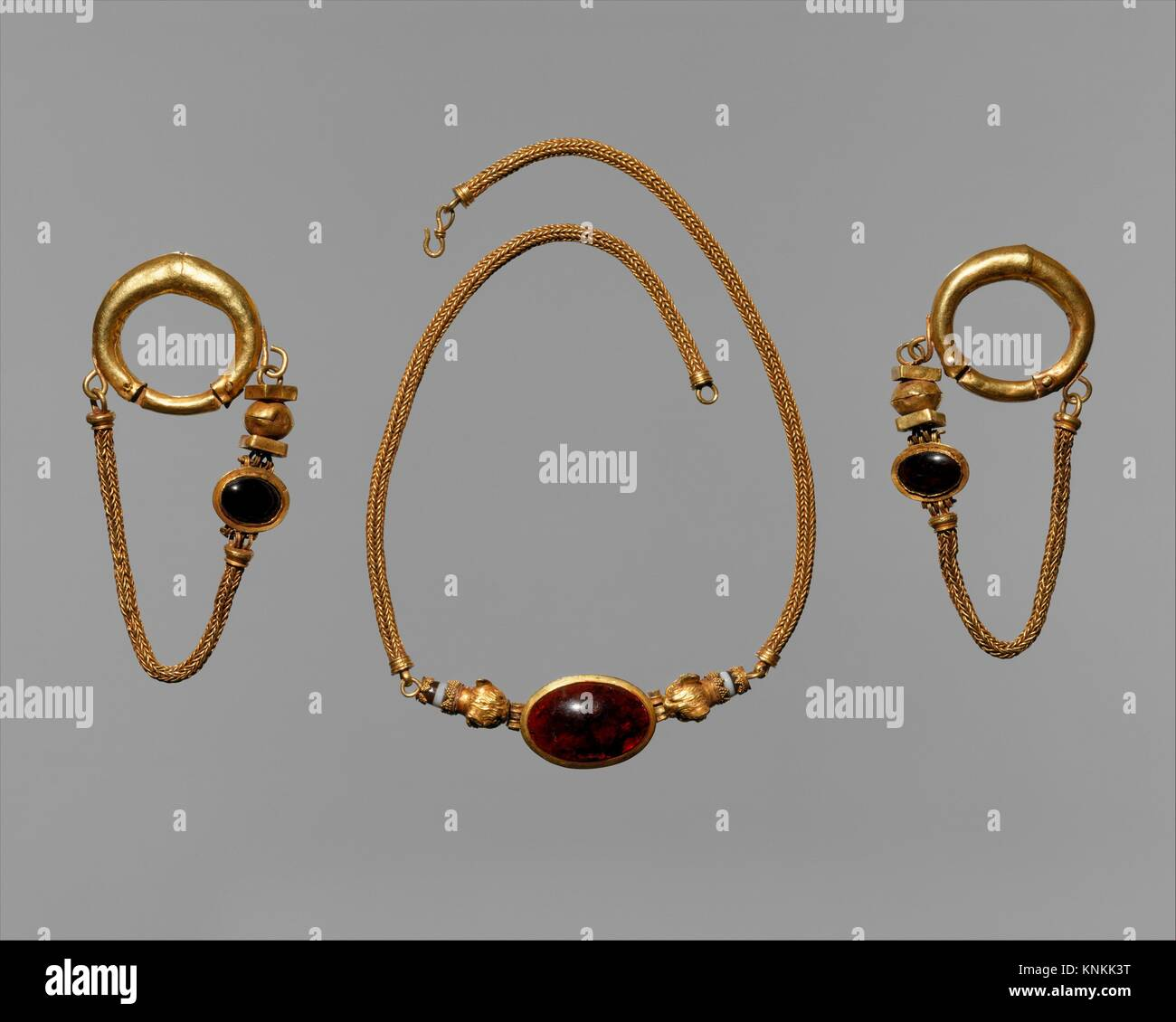 Gold, garnet, and agate necklace and earrings. Period: Late Hellenistic; Date: 1st century B.C; Culture: Greek; - Stock Image