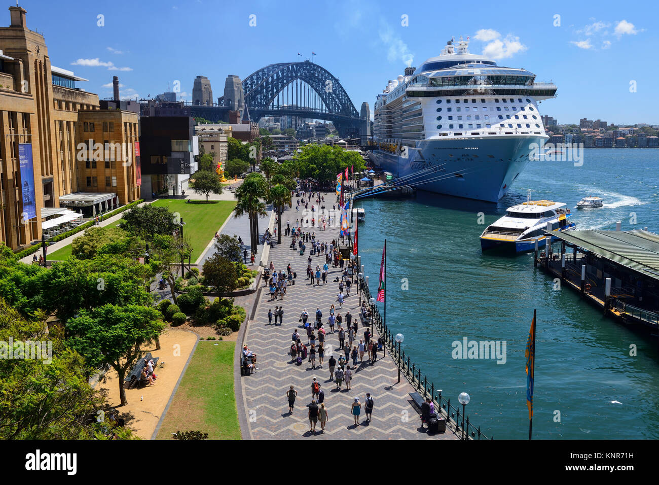 Elevated view of west side of Circular Quay, with cruise ship berthed at Overseas Passenger Terminal, Sydney, New - Stock Image