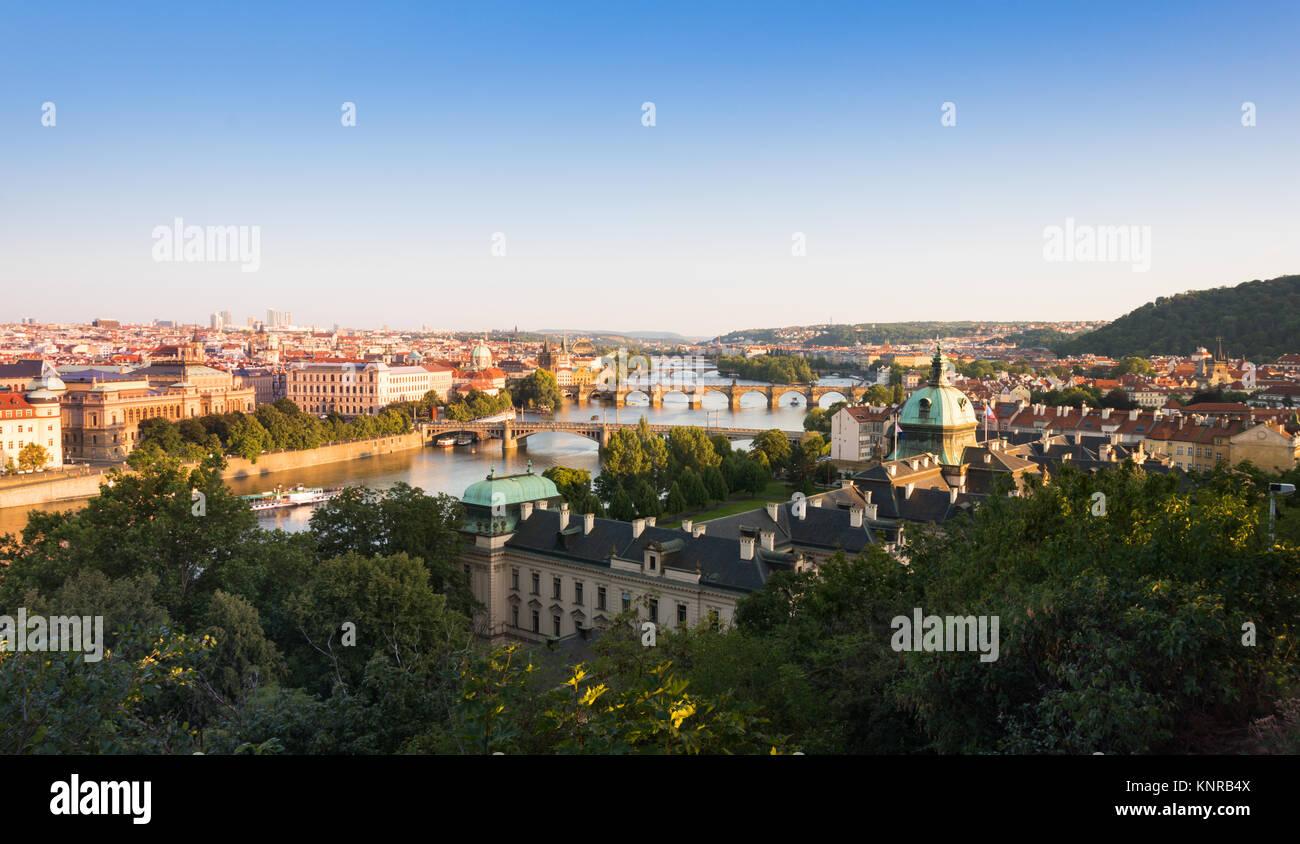 Panoramic view of Prague, the Moldau river and the Charles bridge - Stock Image