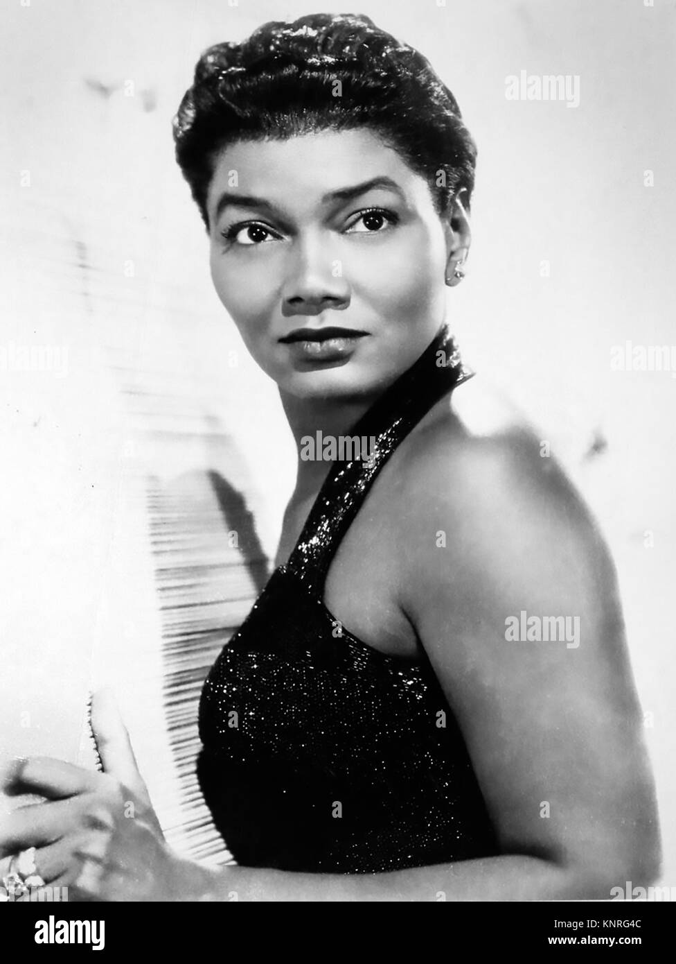 PEARL BAILEY (1918-1990) Promotional photo of American singer and film actress about 1960 - Stock Image