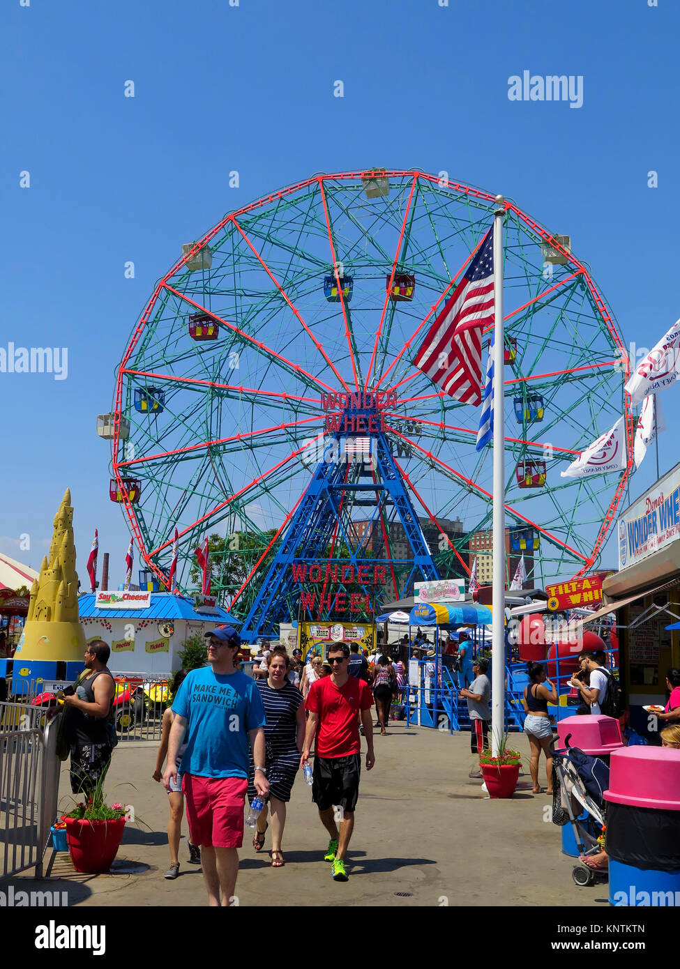 denkmalgeschütztes Riesenrad WONDER WHEEL(1918), amusement park, boardwalk, Coney Island, Brooklyn, New York, - Stock Image