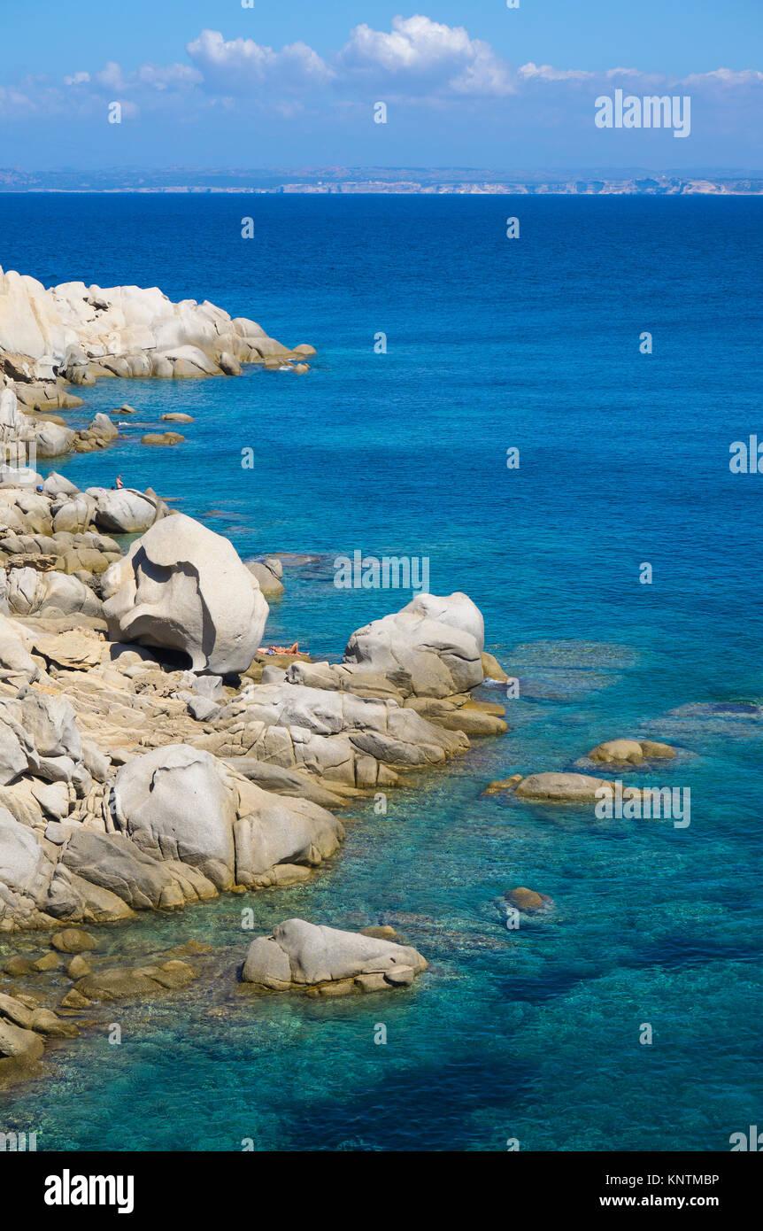 Idyllic rocky coast with granite boulders at Capo Testa, Santa Teresa di Gallura, Sardinia, Italy, Mediterranean - Stock Image