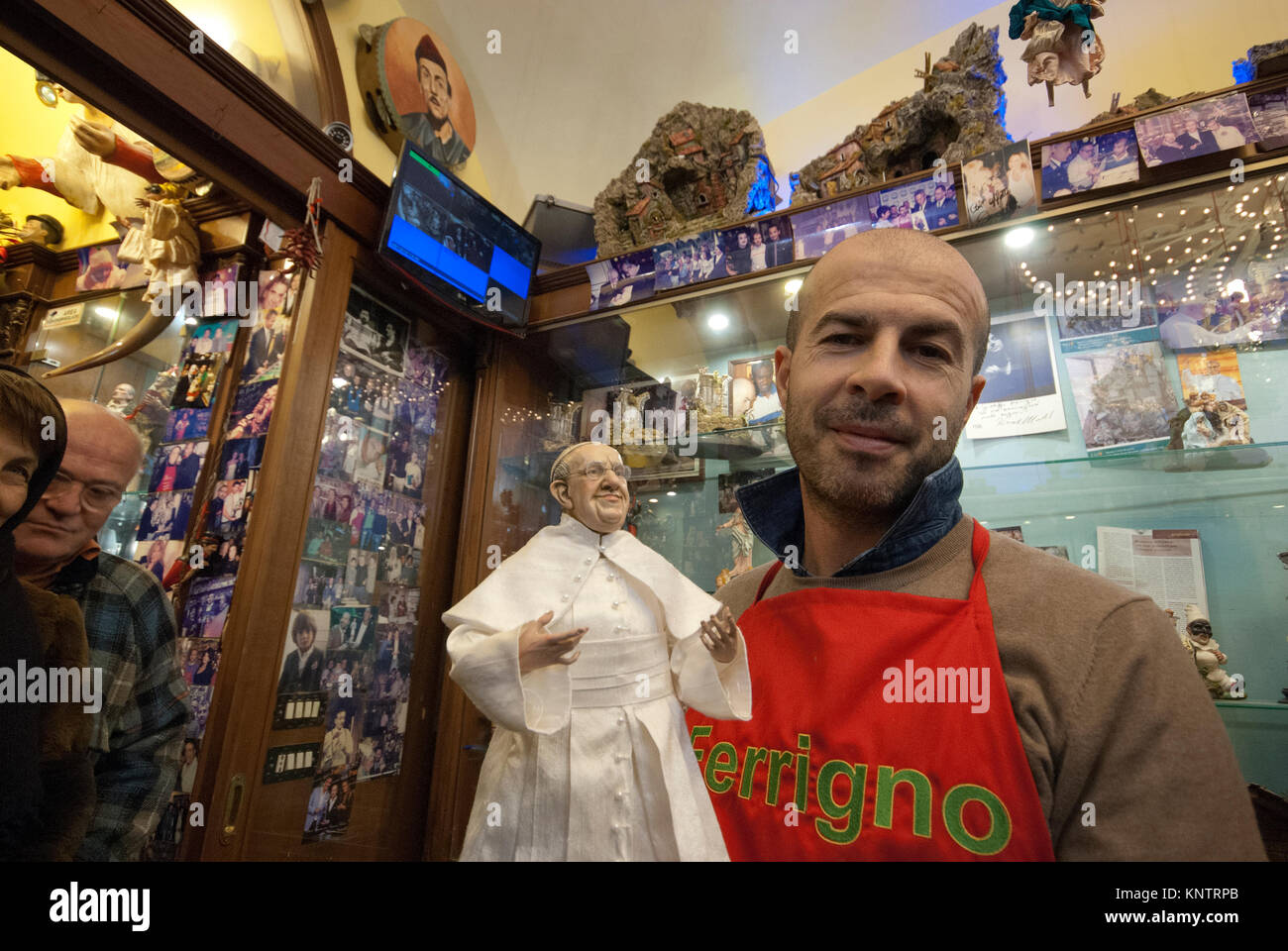 The artisan Marco Ferrigno in his famous shop with the terracotta statue of Pope Francesco, Via San Gregorio Armeno, - Stock Image
