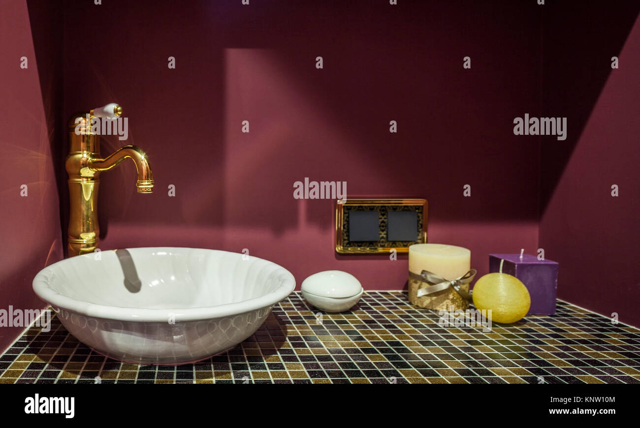 home interiors washstand close to - Stock Image