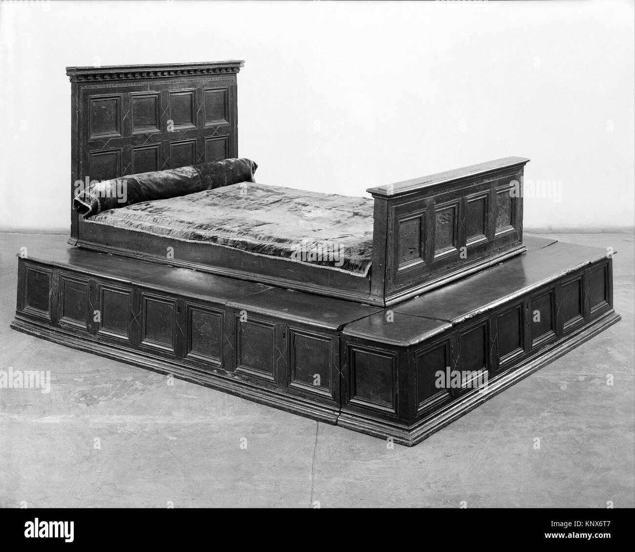 Dais Black and White Stock Photos & Images - Alamy