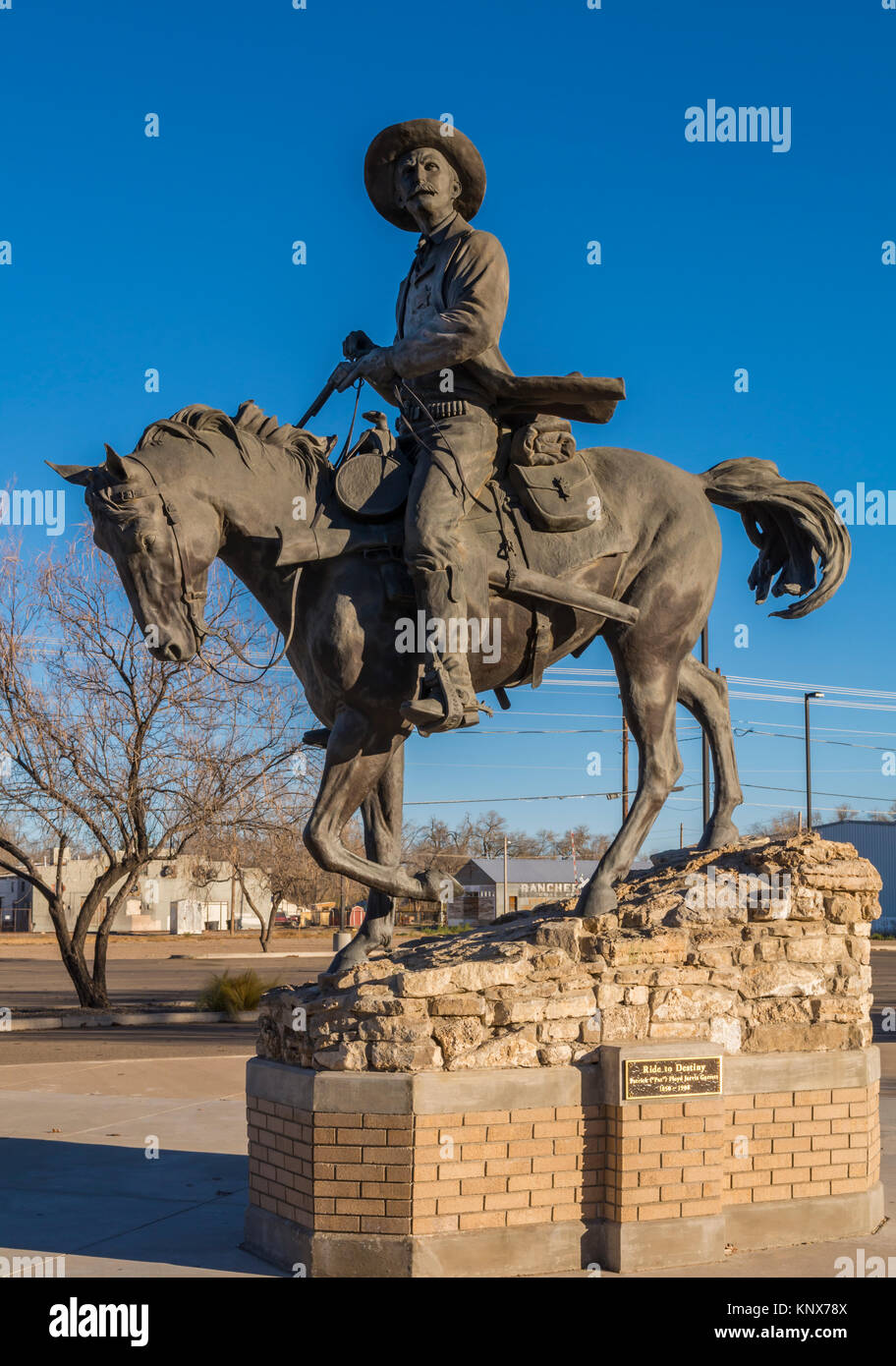 Pat Garrett statue in Roswell, New Mexico, USA of old west sheriff famous for shooting outlaw Billy the Kid near - Stock Image