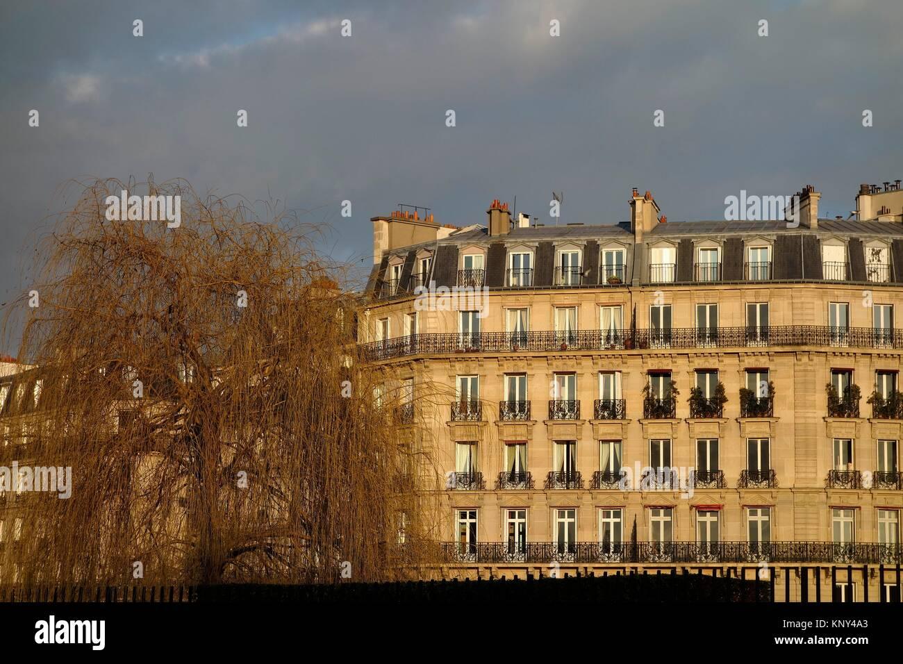 Buildings. Ile St Louis. Paris. France. Europe. - Stock Image