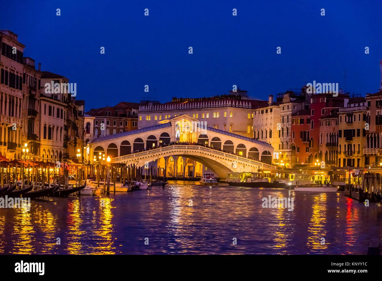 Rialto Bridge, Grand Canal, Venice, Italy. - Stock Image