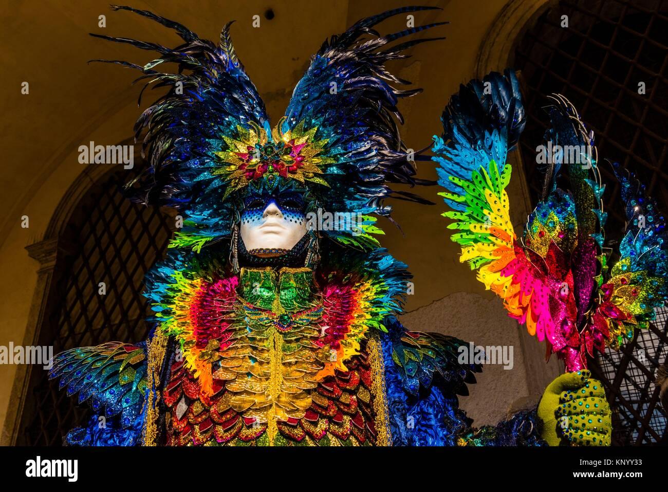 Revelers in carnival costume, Venice Carnival (Carnevale di Venezia), Venice, Italy. - Stock Image