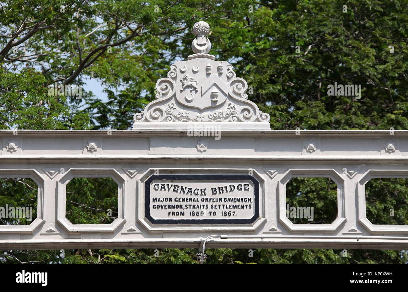 Cavenagh Bridge in Singapore - Stock Image