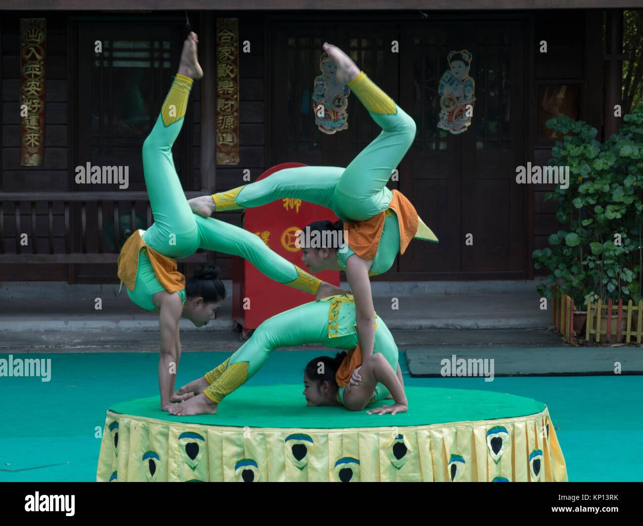 Cambodian circus troupe performing at Siem Reap theatre. - Stock Image