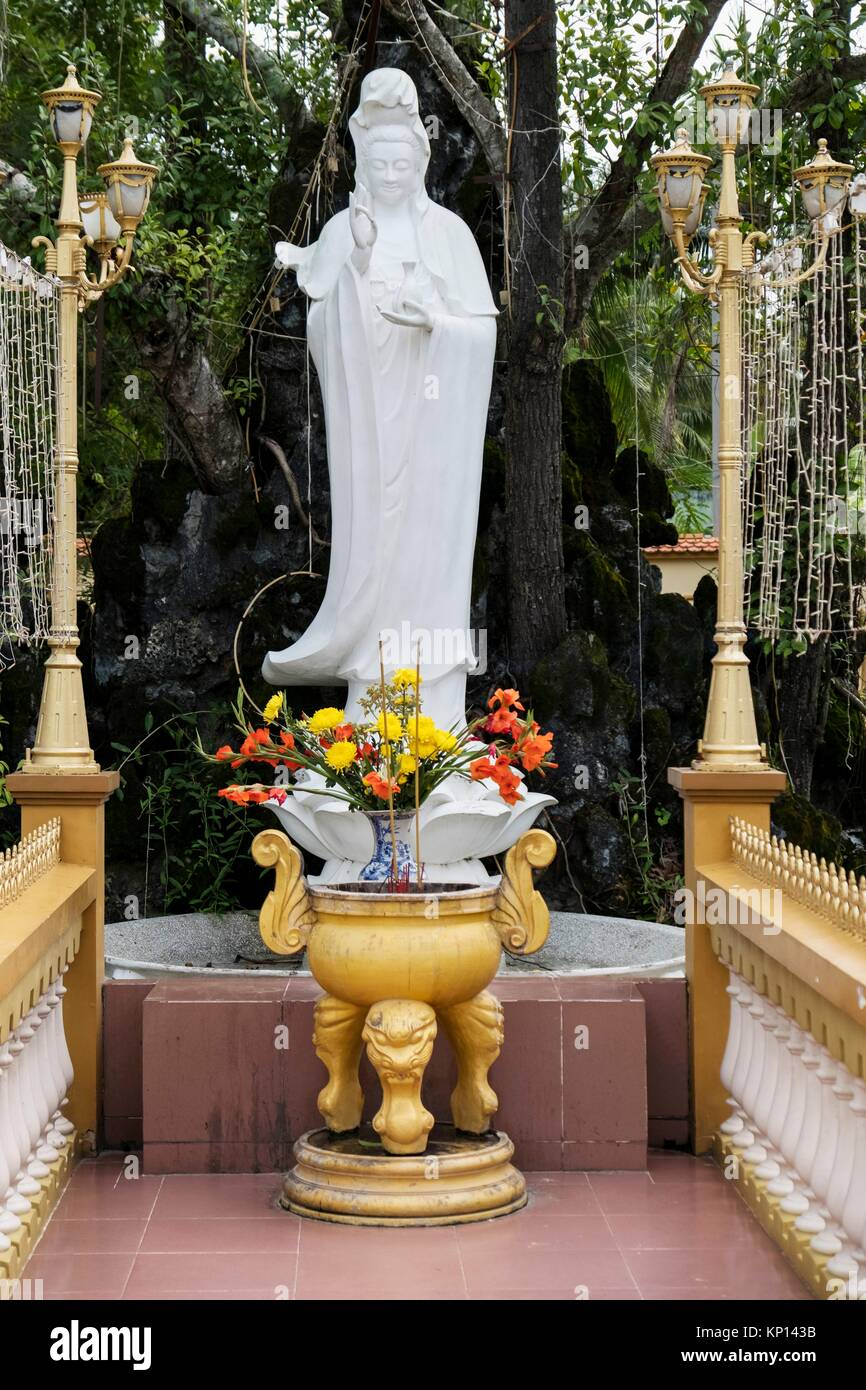 Vietnam, My Tho, Mekong Delta river area. Vinh Trang Pagoda complex, The Goddess Of Mercy statue. - Stock Image