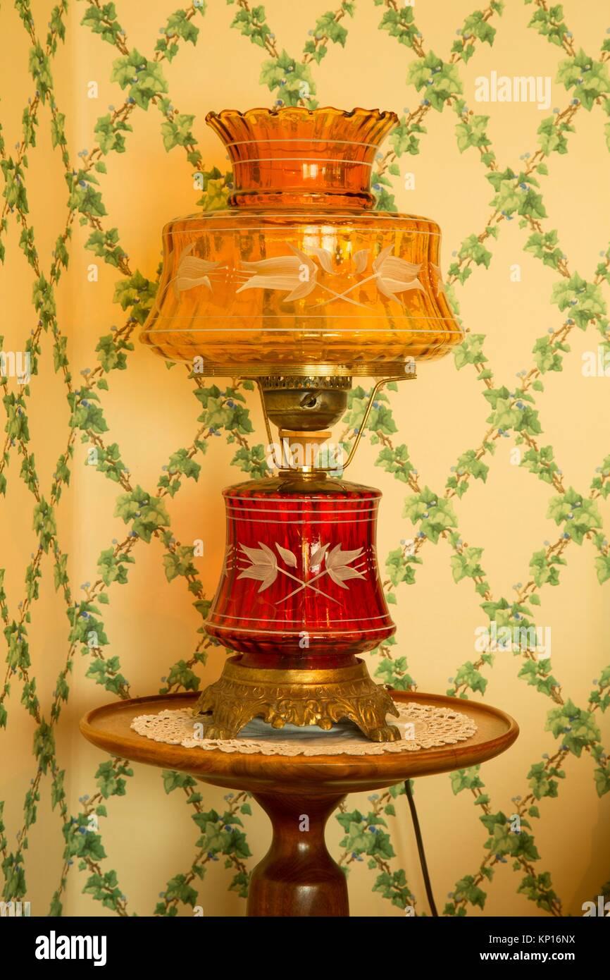 Lamp in Deepwood House, Bushs Pasture Park, Salem, Oregon. - Stock Image