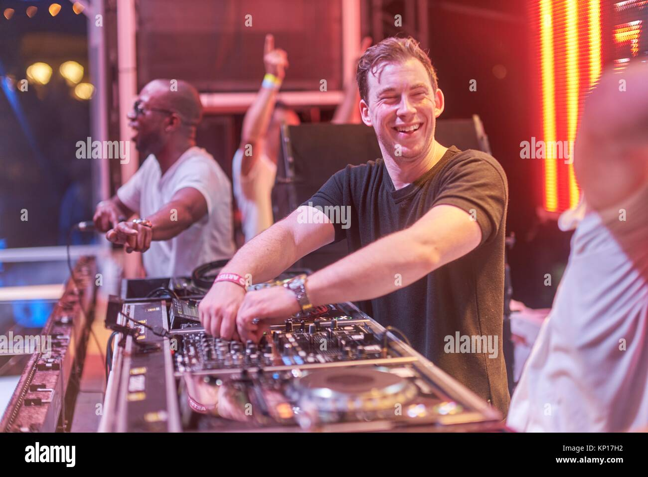 Hardwell stock photos hardwell stock images alamy dj hardwell smiling at afrojack while playing b2b at starbeach in hersonissos crete greece altavistaventures Image collections