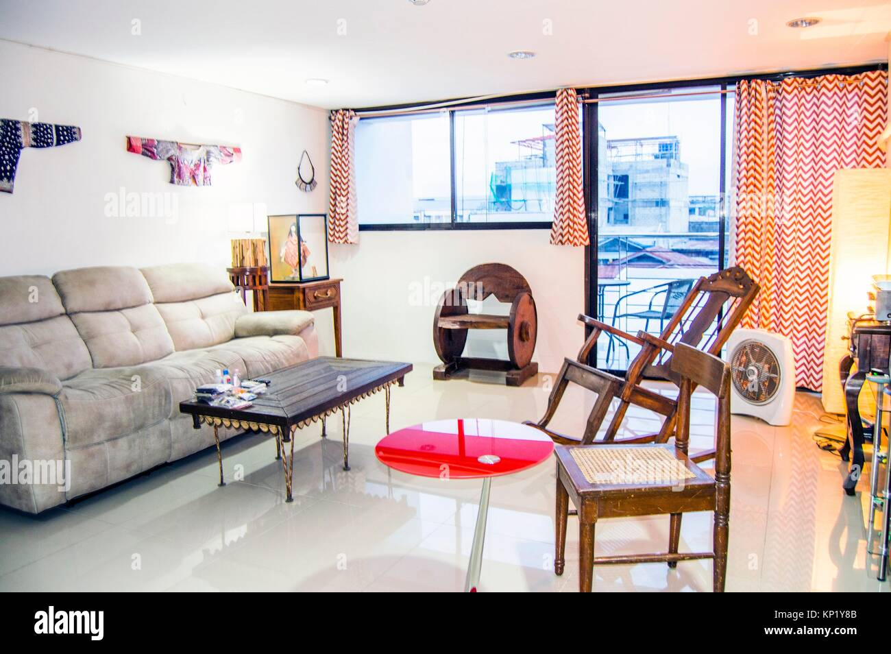 Living Room Interior With Antique And Modern Furnishings And Decor Stock Photo Alamy