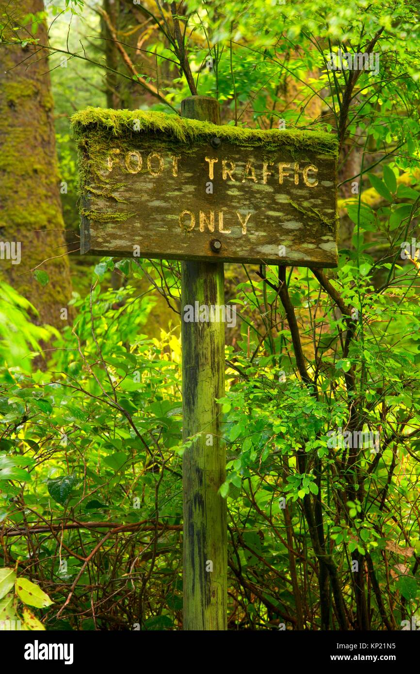 Spencer Creek Trail sign, Beverly Beach State Park, Oregon. - Stock Image