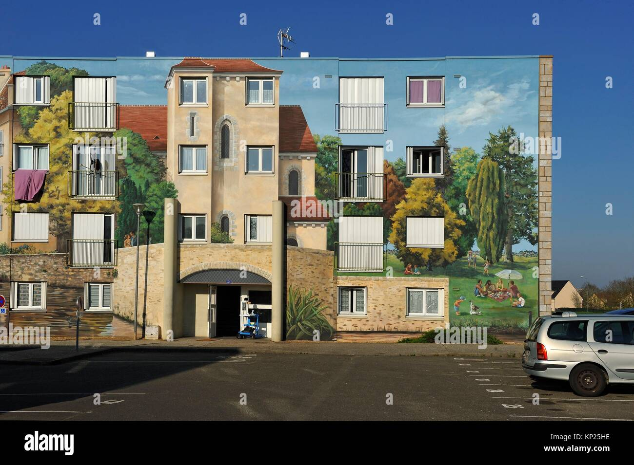 Fresques de Bel-Air, 4000 m² of council housing building painted in trompe-l´oeil style ( design and carrying - Stock Image