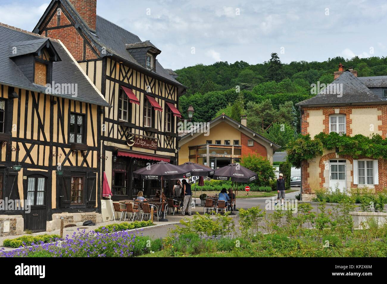 half-timbered house along the Abbe Herluin Square at Bec-Hellouin, labelled Les Plus Beaux Villages de France, Eure - Stock Image