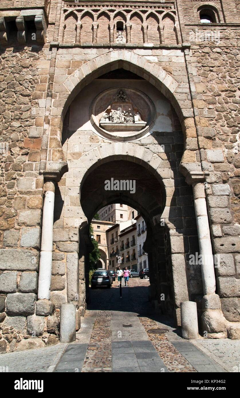 Puerta del Sol en la muralla de Toledo. Castilla La Mancha. España. Europa. - Stock Image