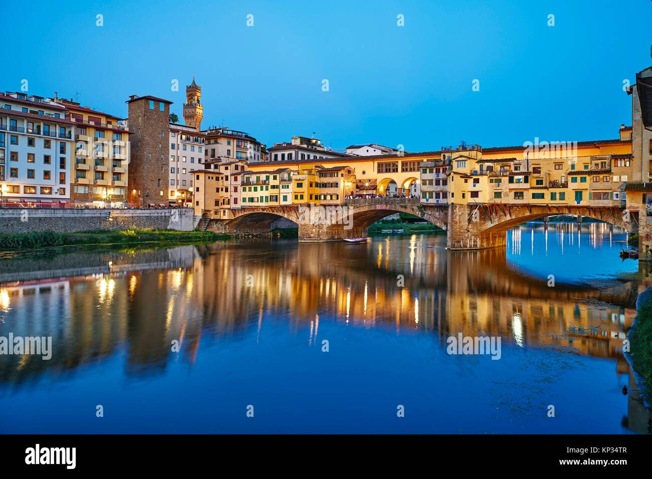 The Ponte Vecchio (´Old Bridge´) is a medieval stone closed-spandrel segmental arch bridge over the Arno - Stock Image