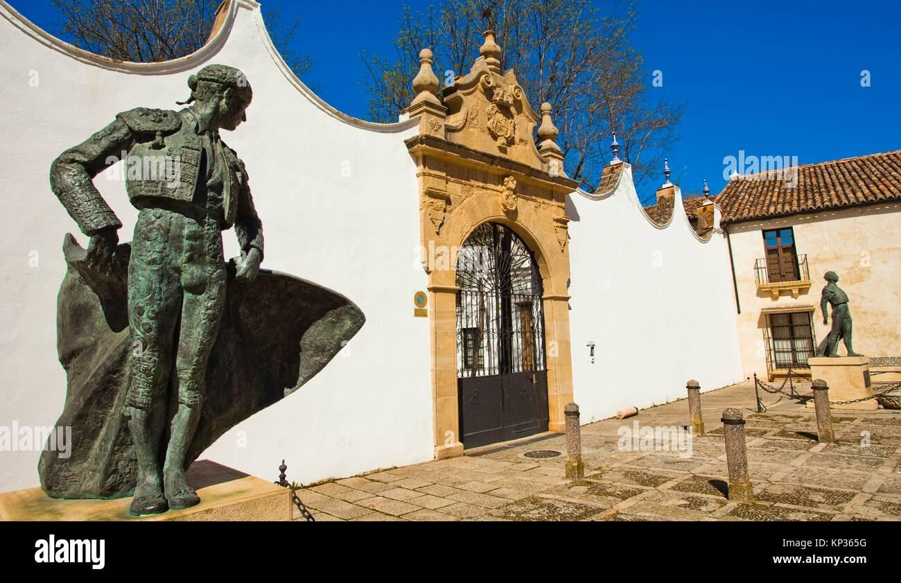 Statue of bullfighter Cayetano Ordonez outside bullring, The bullring and Real Maestranza De Caballería De - Stock Image