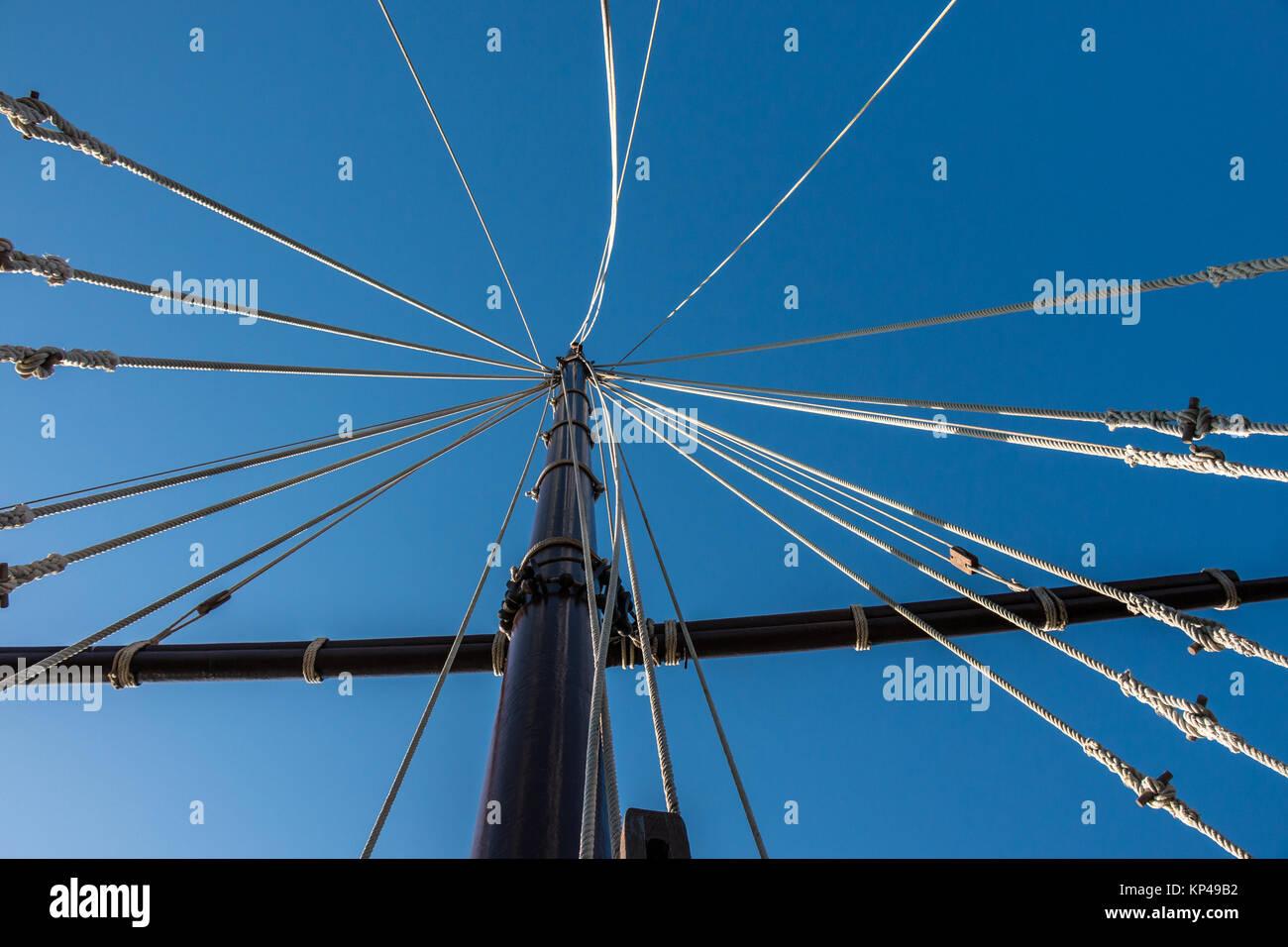 Mast and ropes of a spanish sailing ship - Stock Image