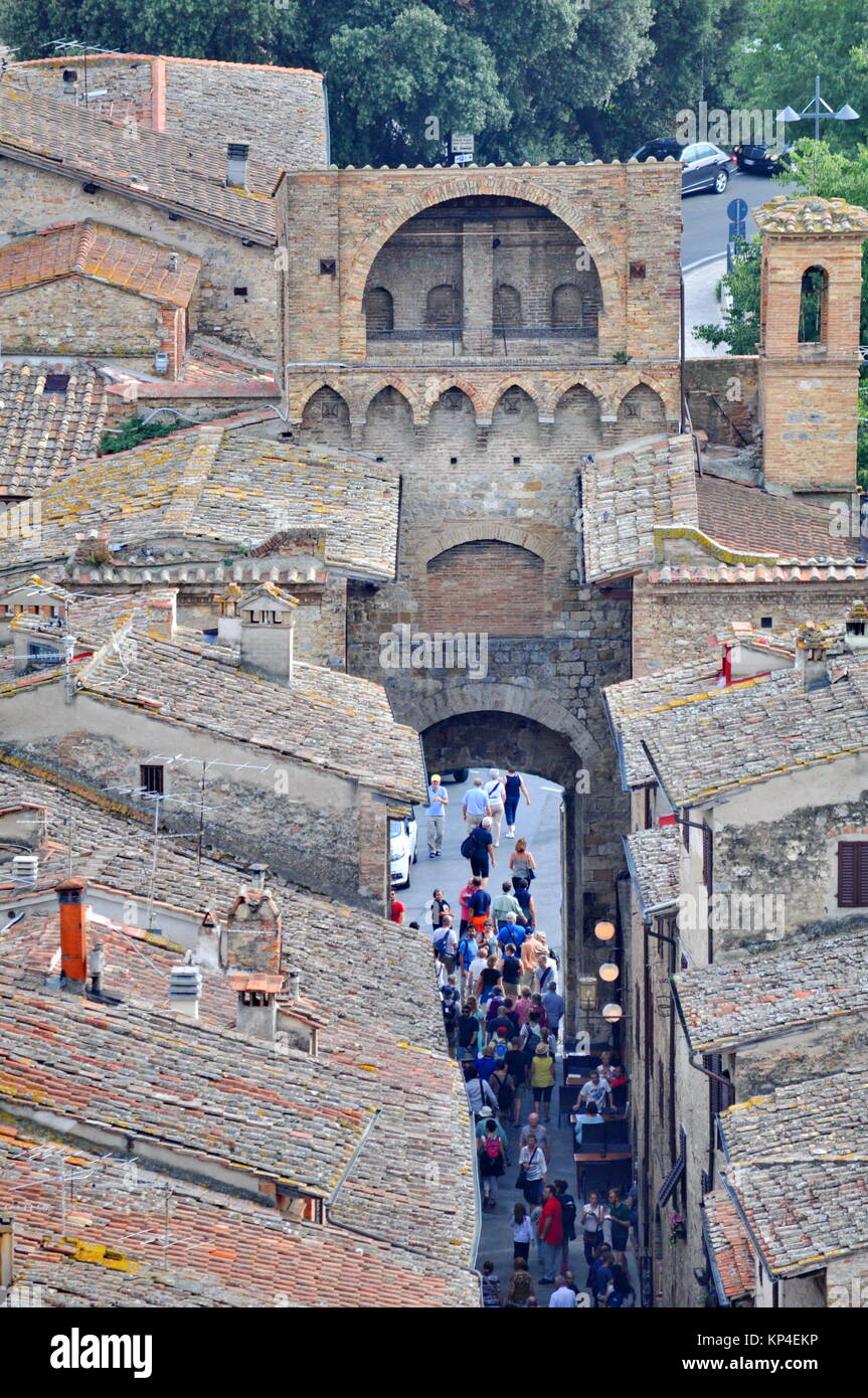 Tuscany, Italy, September 14, 2015: People touring San Gimignano a medieval town in Tuscany - Stock Image