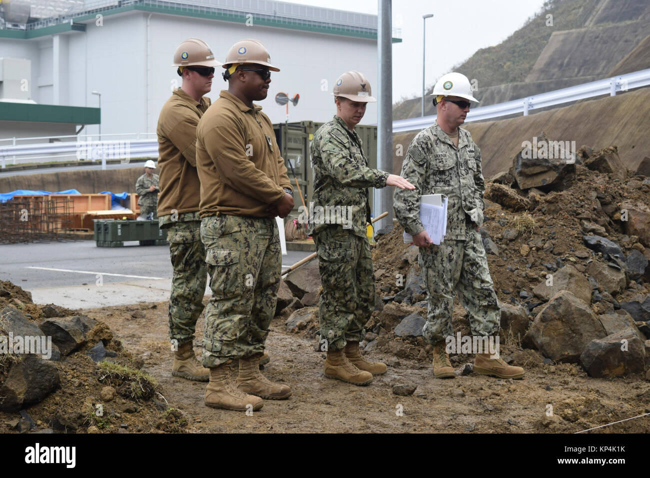 SASEBO, Japan (Dec. 6, 2017) Seabees from 30th Naval Construction Regiment visits Naval Mobile Construction Battalion - Stock Image