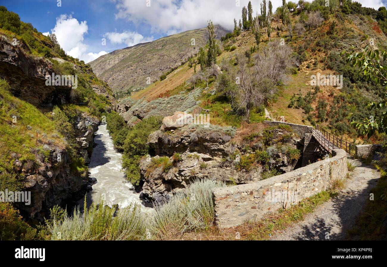 Bridge over river Bhaga, Keylong, Lahaul Valley, Himachal Pradesh, India. - Stock Image