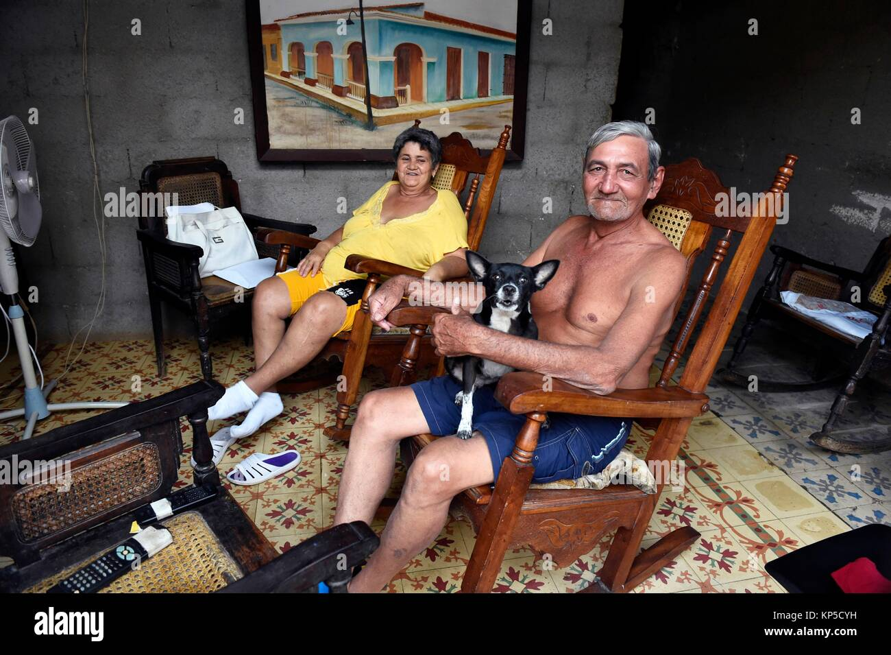 Couple at home, Remedios, Cuba. - Stock Image