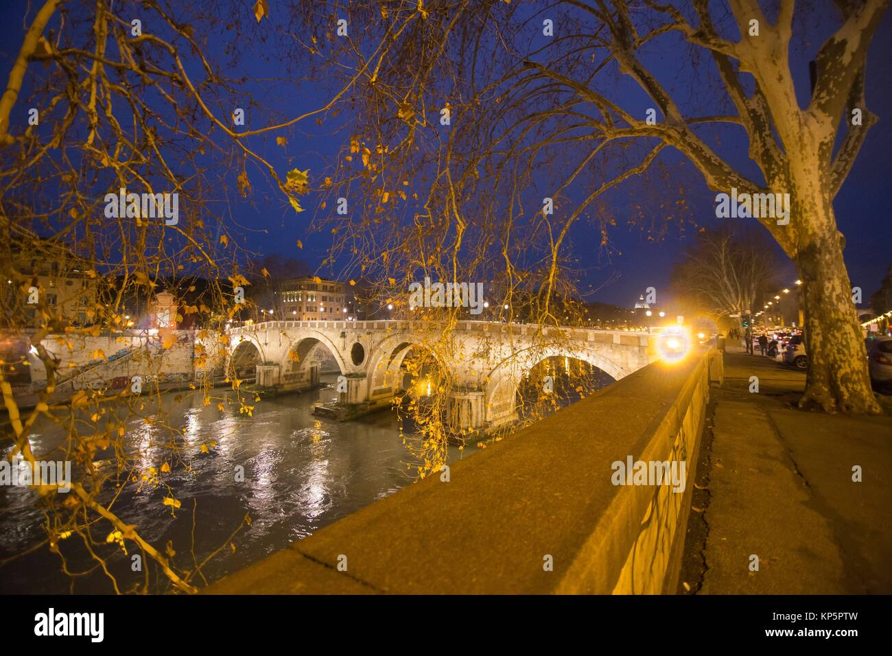 Nightscape in the banks of Tiber river Rome Italy. - Stock Image