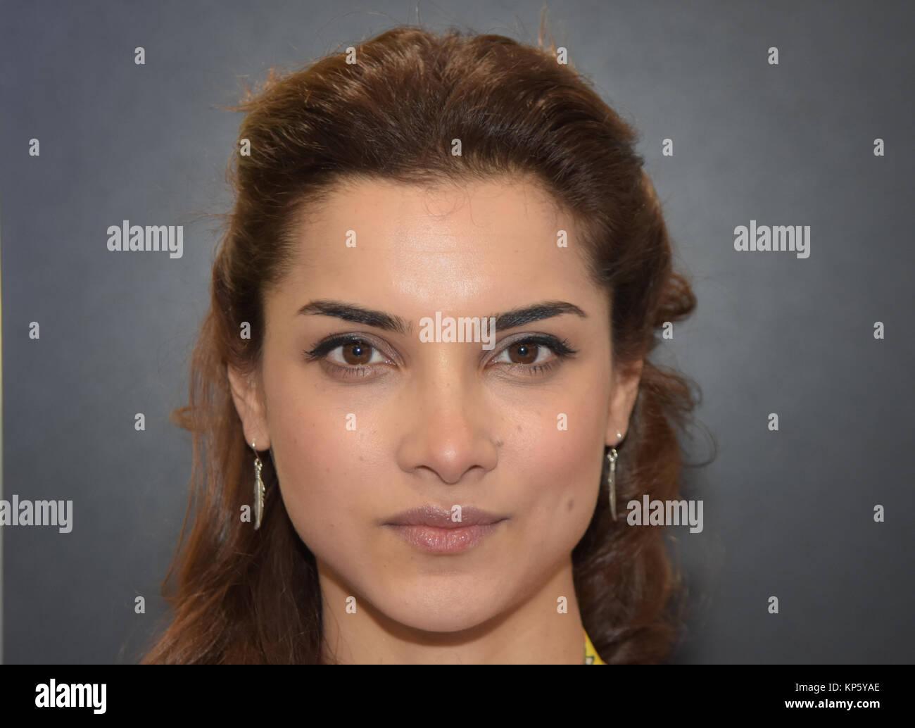 Hala Deutsch